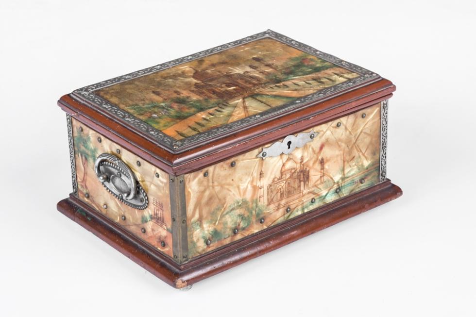 Anemos jewellery box