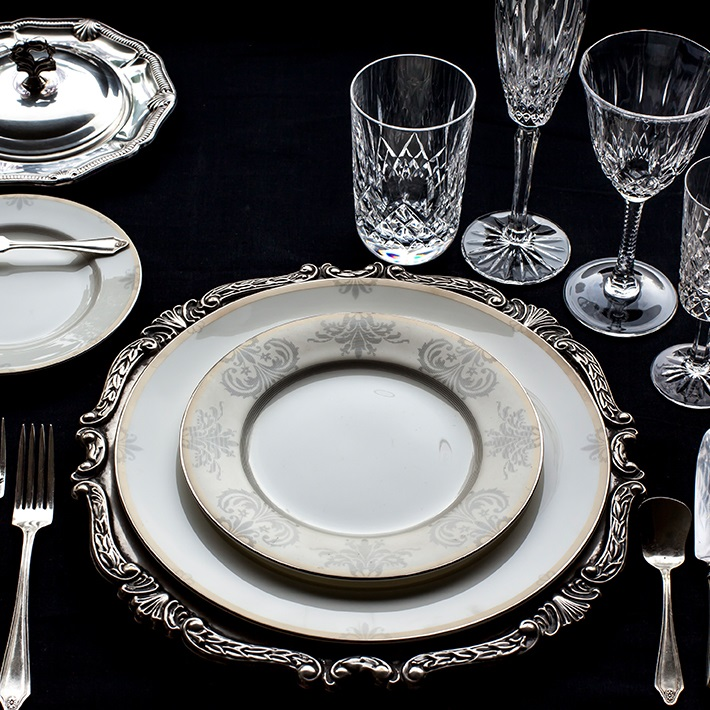 Lazzaro Gold Sterling Dinner Set of 63 pieces, Rs 44,050