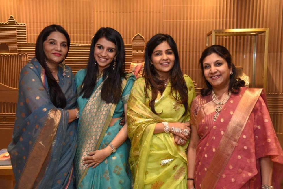 Sunita Shekhawat with Sanaa Singhania, Niharika Shekhawat & Vidhi Singhania.