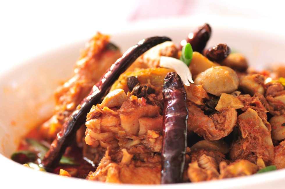 hot-chiken-&-mushroom---Arunachal.jpg