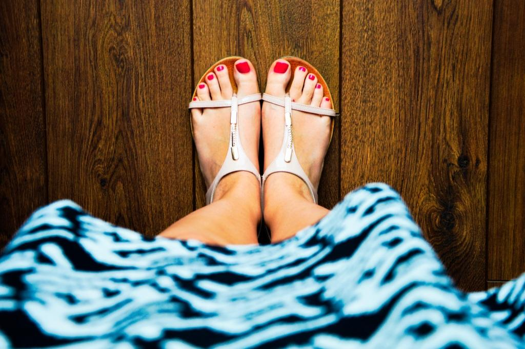 8 Simple Steps to Give Yourself a Pedicure at Home