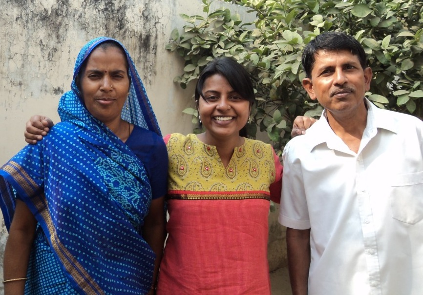 Kiran Kanojia with her parents.JPG