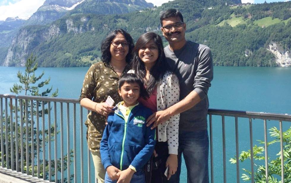 Ritu Khandelwal and family