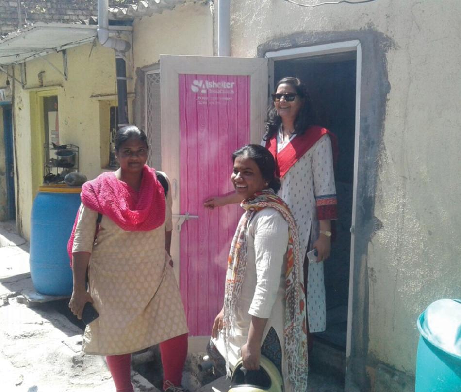 Pratima-and-slum-women