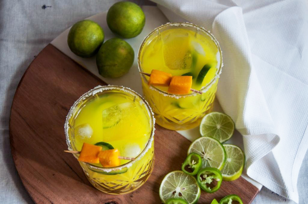 5 Easy Cocktail Recipes with Seasonal Fruits to Keep You Cool This Summer