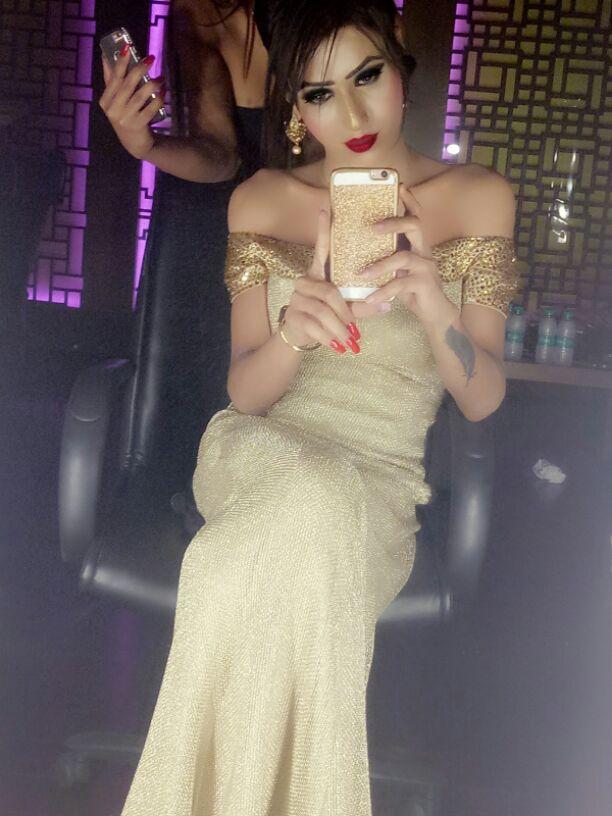 Maahi selfie
