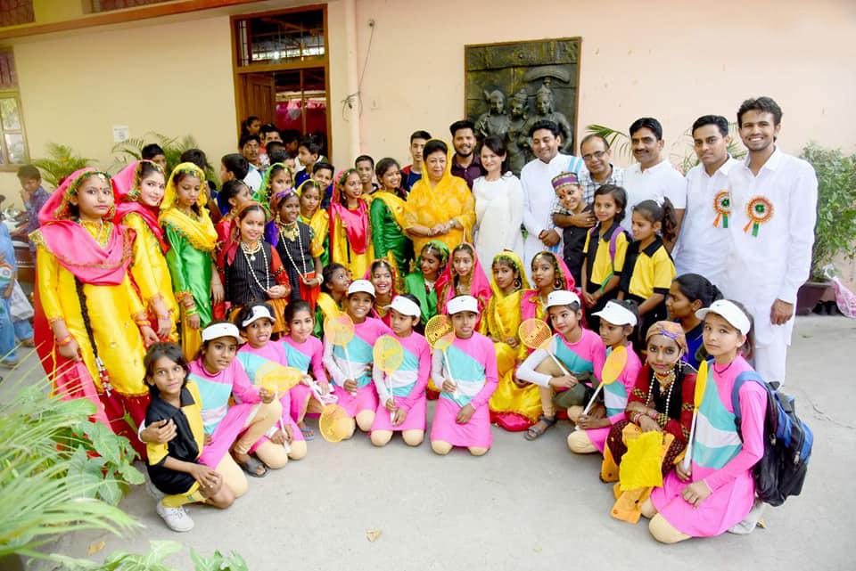 Maharani with Shahla's schoolkids