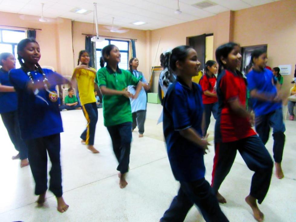 Shahla kids dancing
