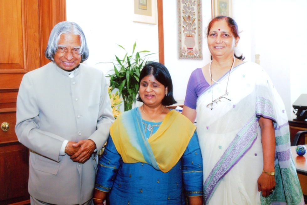 Madhu Singhal with President of India
