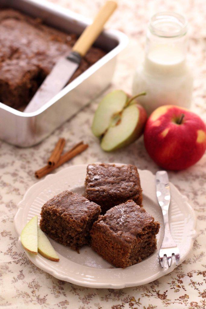 Quaker Oats Apple Cinnamon cake
