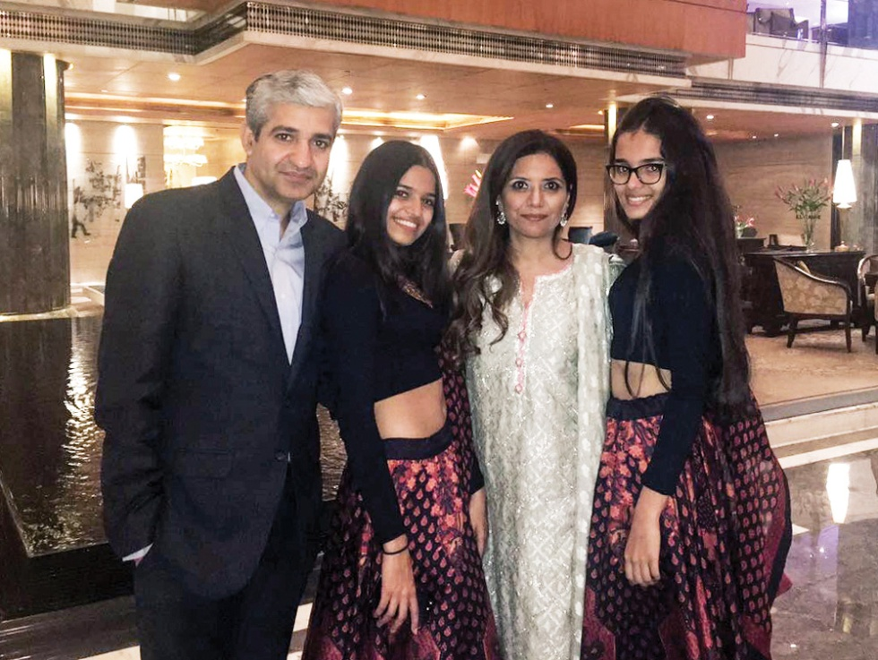 Dr-Priyanka-Giroti-with-family