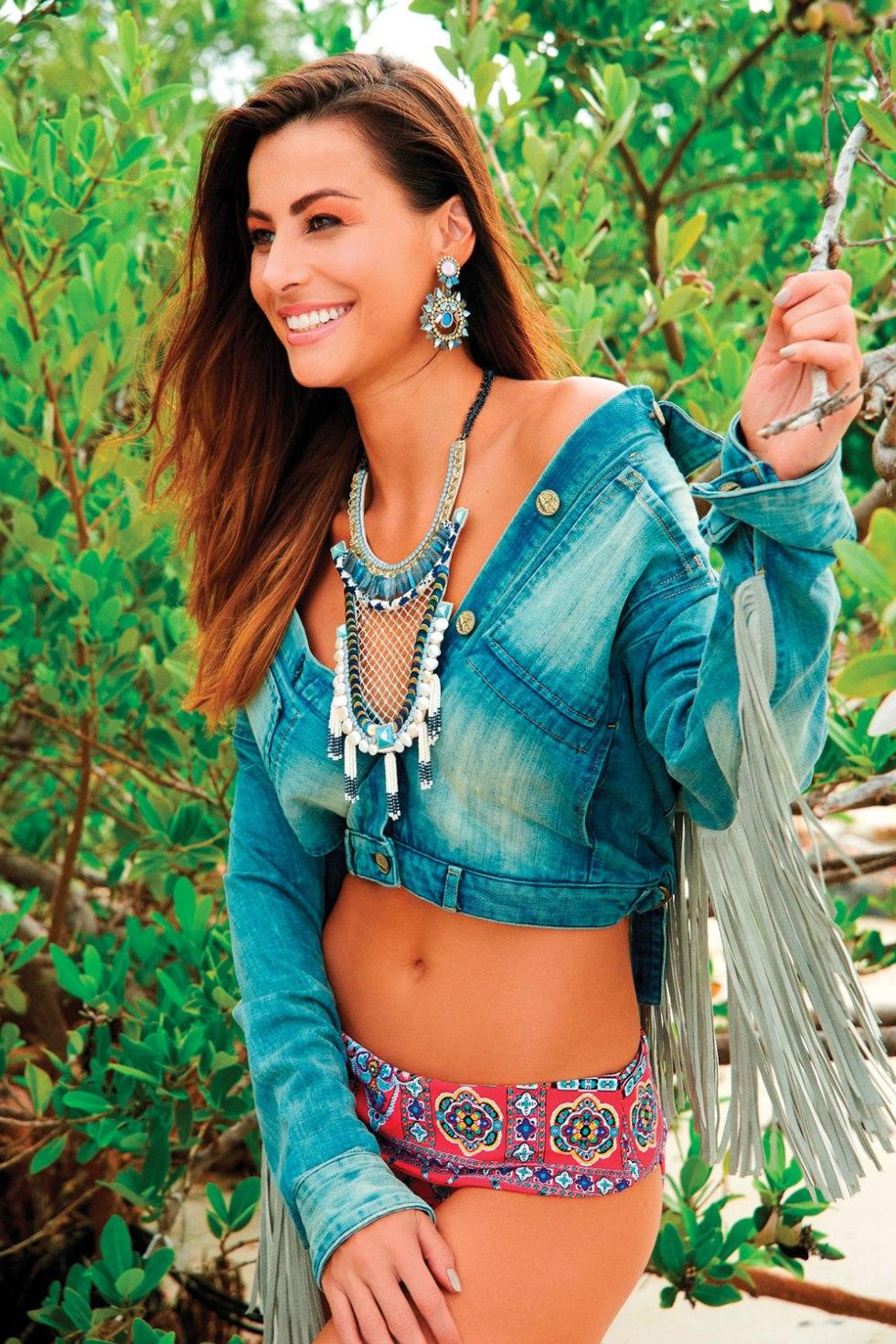 Fashion_Deepa_Gurnani_6.jpg