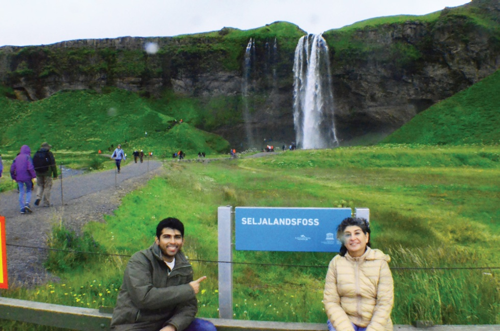 Iceland-Seljalandsfoss