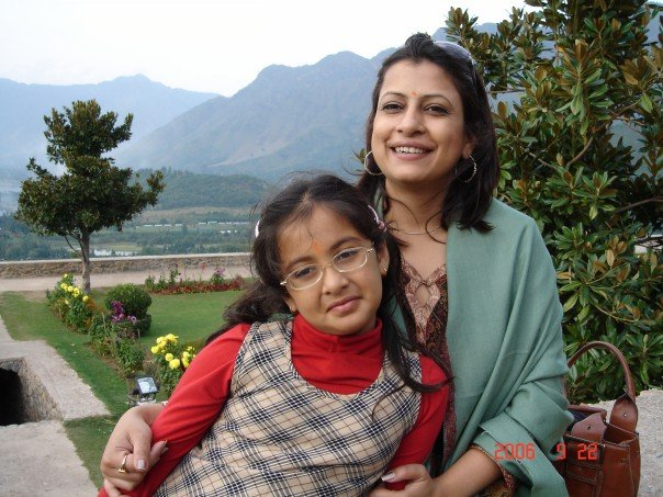 Suparnaa and daughter.jpg