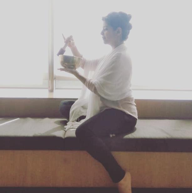 Ruchi Thaker singing bowls.jpg