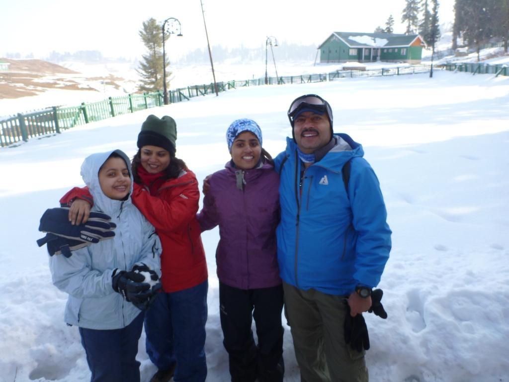 Deeya Bajaj family
