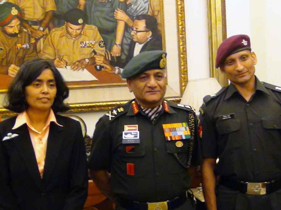 Seema-Rao-with-Army-Chief-1