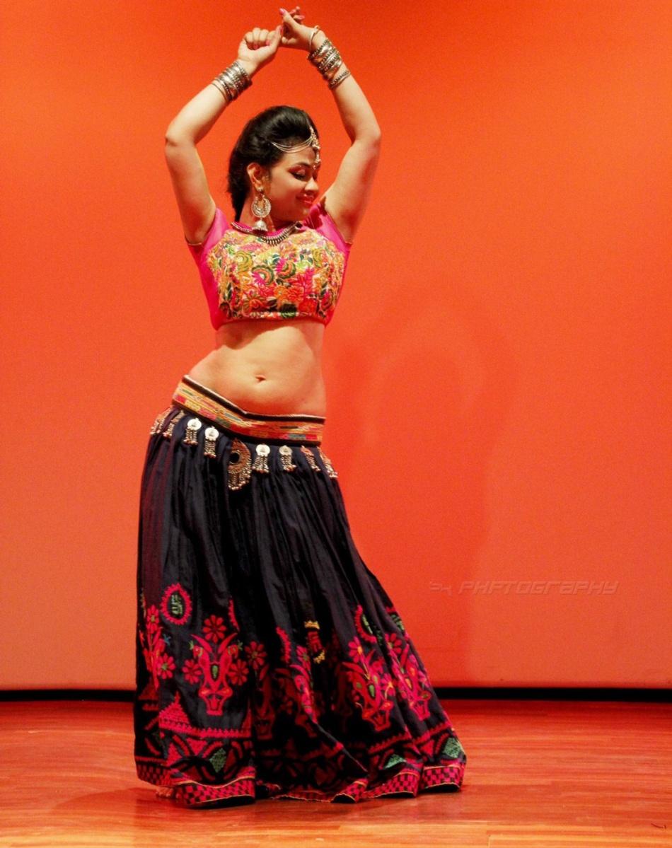 Anusha-hegde-belly-dance-eshe