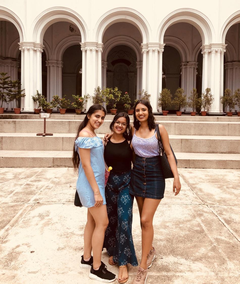 Calcutta-girls-eshe