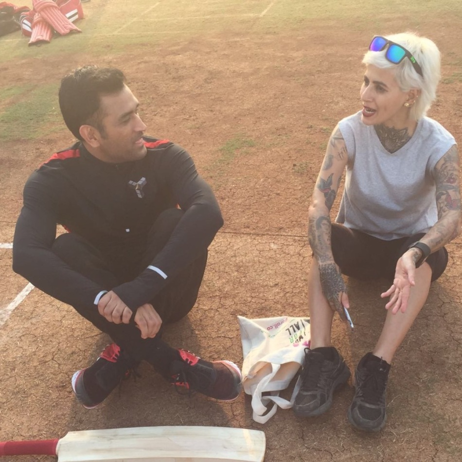 Sapna Bhavnani with MS Dhoni