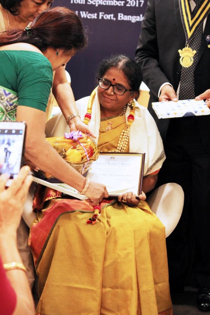 Meenakshi Ravi life achievement award (4)