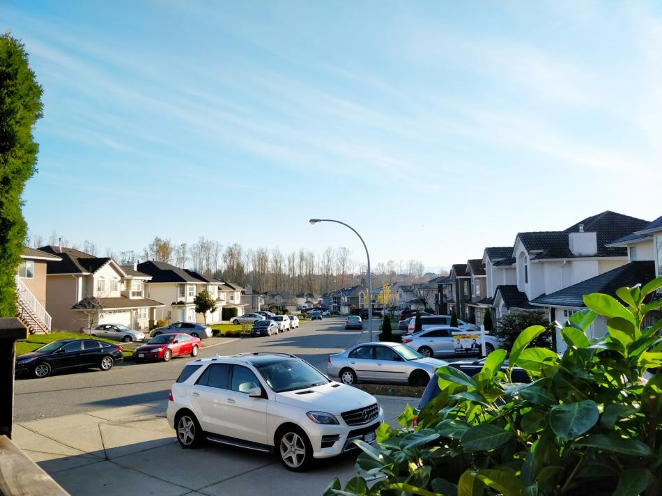 Canadian-suburb-eshe