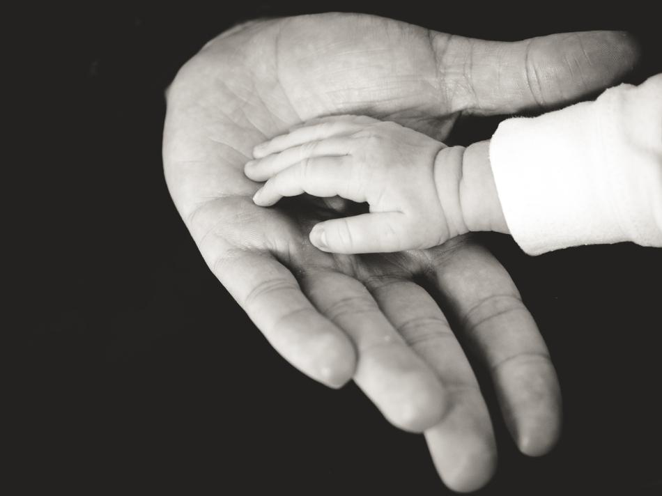 baby-hand-eshe