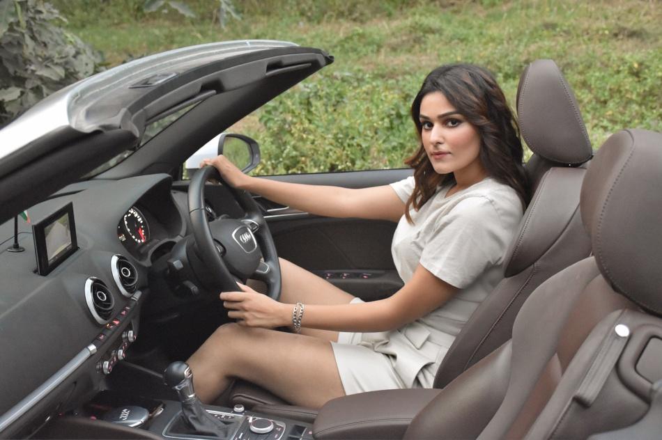 Gauri-Sheoran-car-eshe