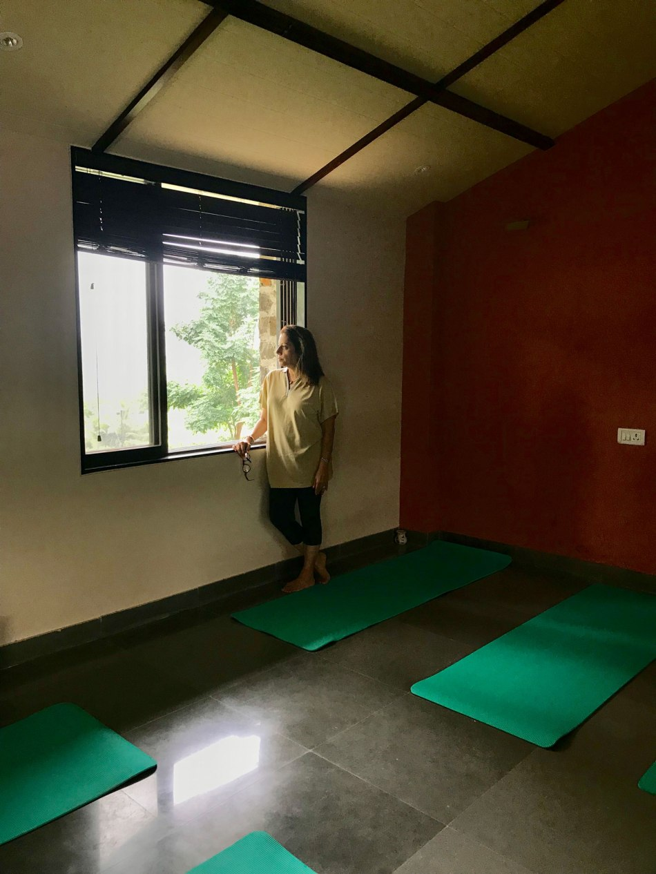 Fazlani-resort-mumbai-yoga